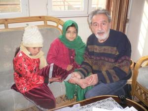 Untersuchung von Kindern in Kabul